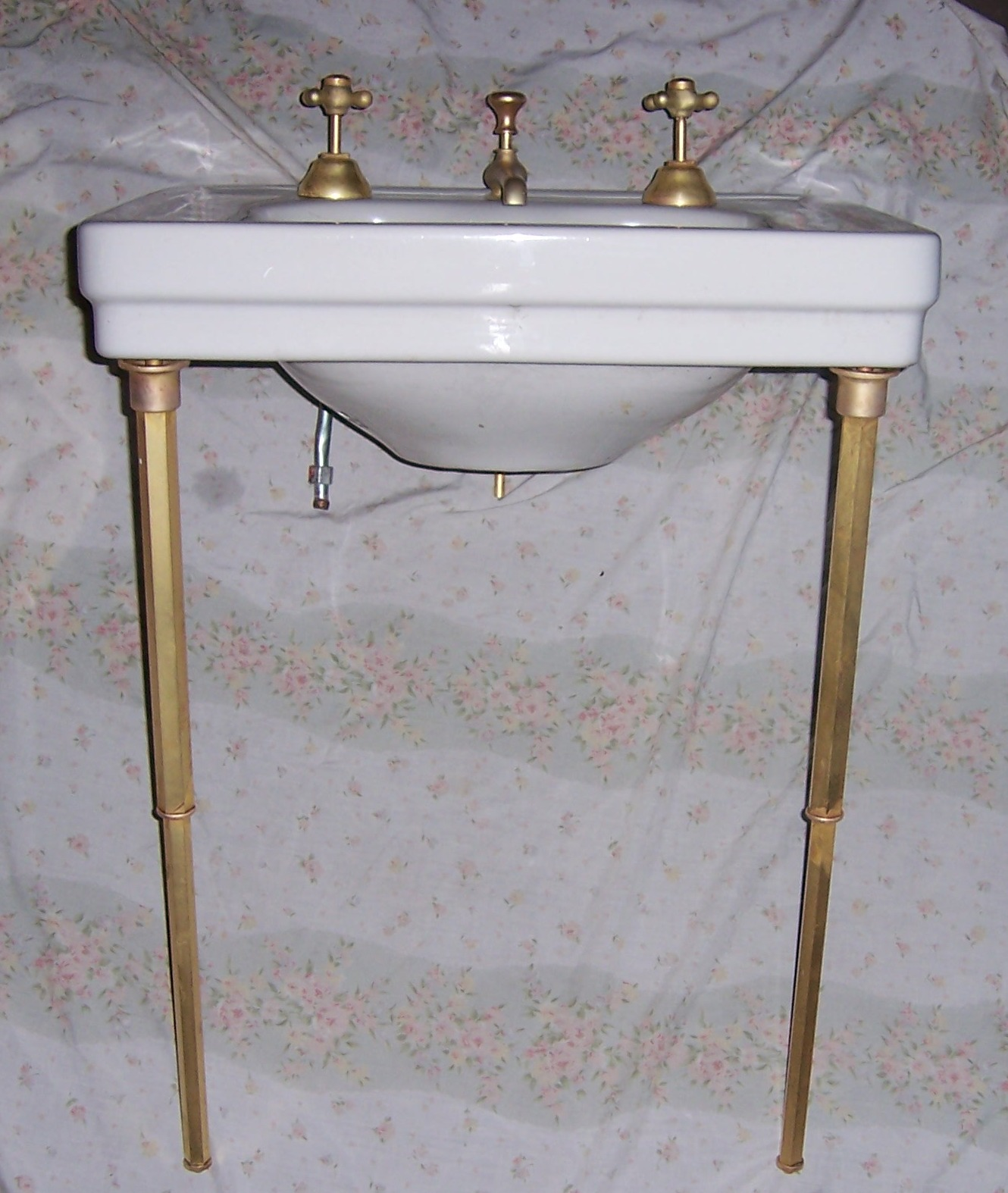 Lavatories | VintageBathroom