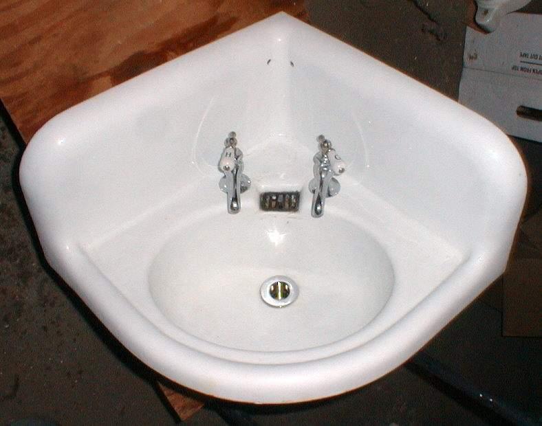 Kohler Corner Toilet : Kohler 18-1/2? x 18-1/2? x 23-1/2? Corner Lavatory -$225.00