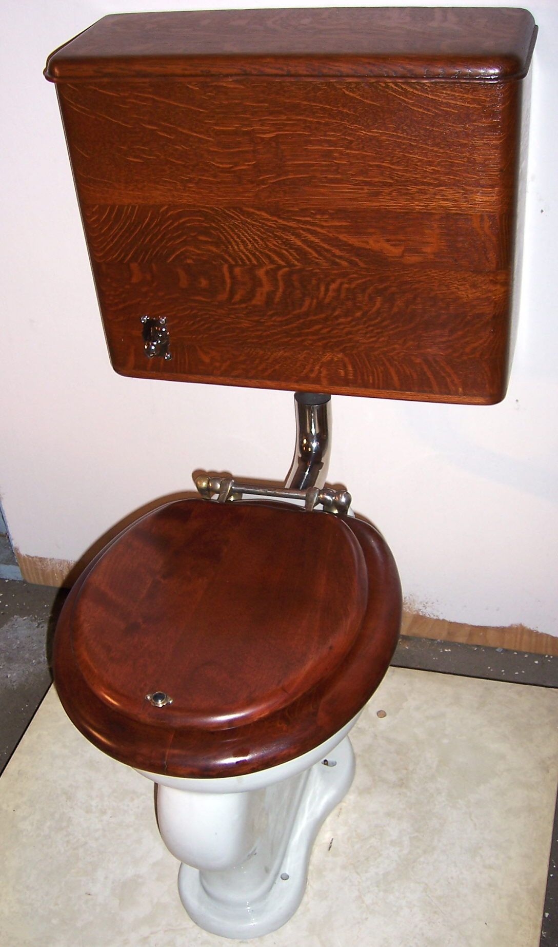 this vintage high tank toilet makes me smile images frompo. Black Bedroom Furniture Sets. Home Design Ideas
