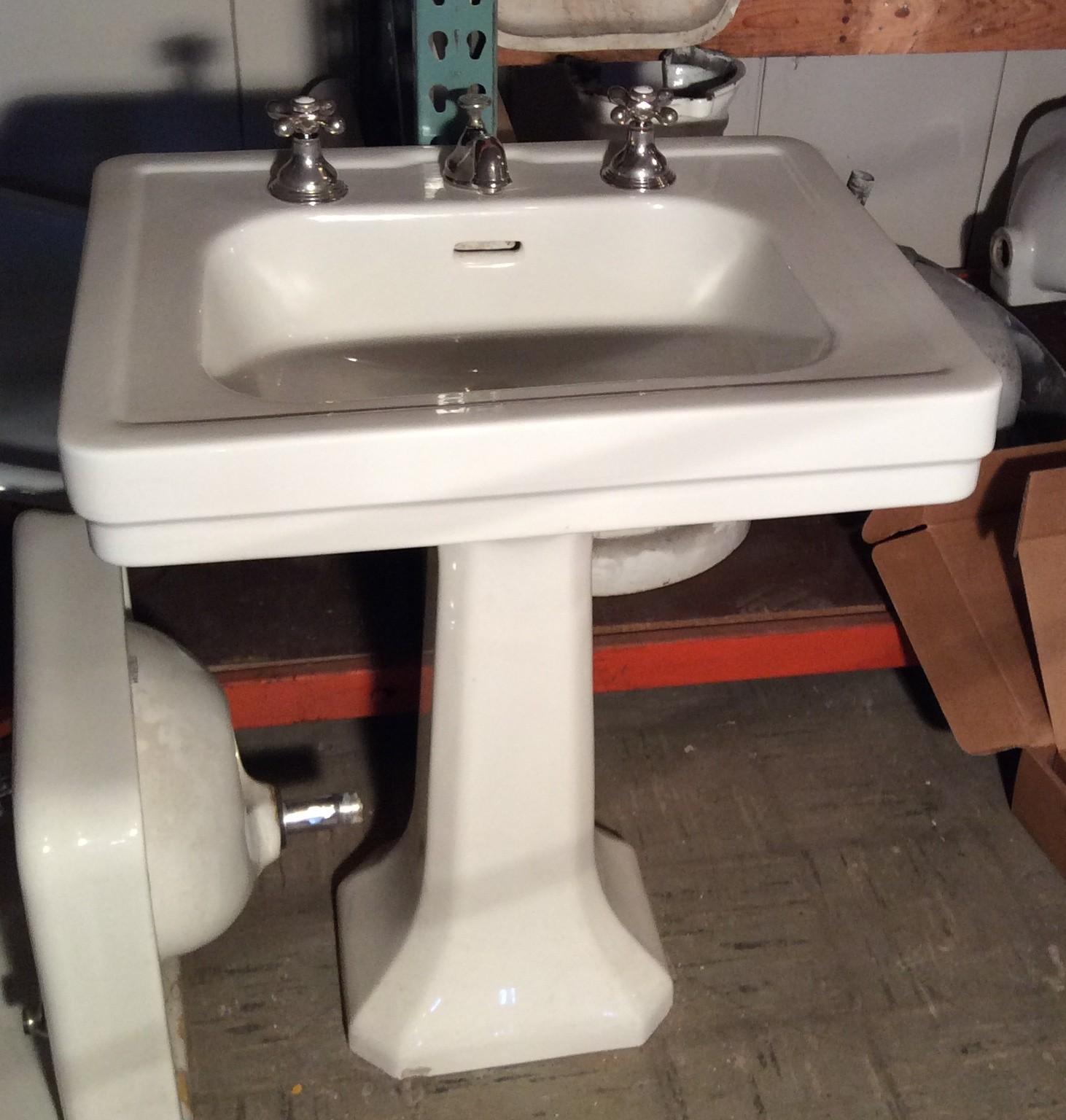 Two Leg Pedestal Sink : Pedestal Sinks VintageBathroom